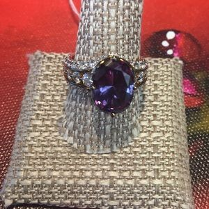 JUST IN - Beautiful Gemstone Ring Size 9 NWOT